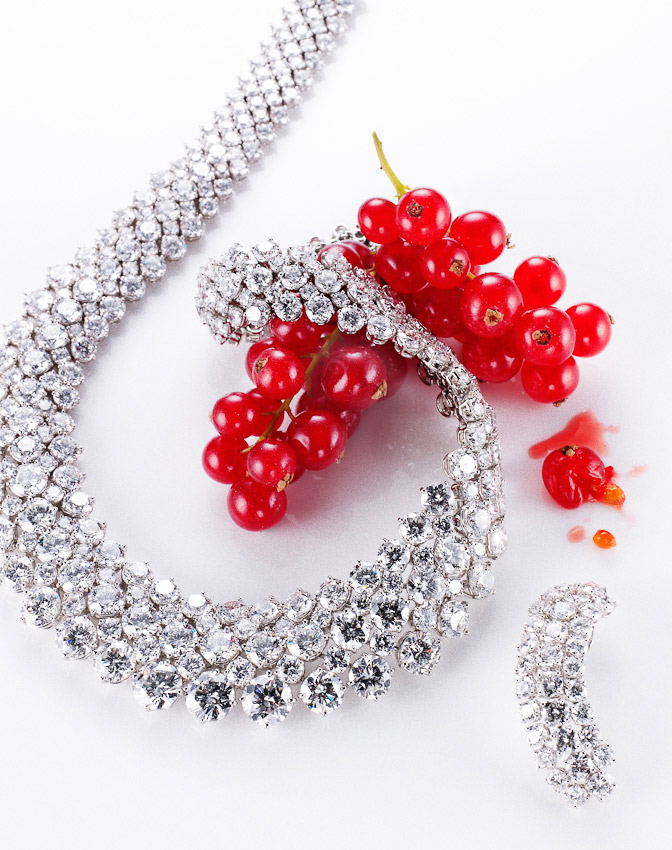 necklace, red currants, jewellery, still-life photography, still-life photographer, still life photographer London, jewellery photographer, jewellery photography, diamonds, luxury accessories, David Parfitt
