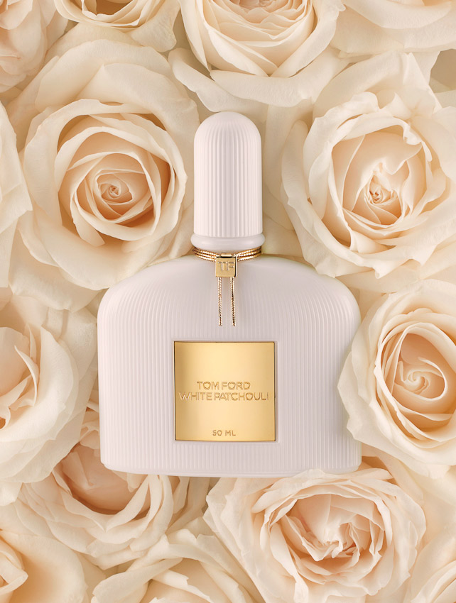 fragrance, Tom Ford perfume bottle, roses, white patchouli, still life, still-life photography, David Parfitt, still-life, fragrance photography, fragrance still life, perfume photography, still-life photographer, still-life photographer London, David Parfitt, advertising photographer