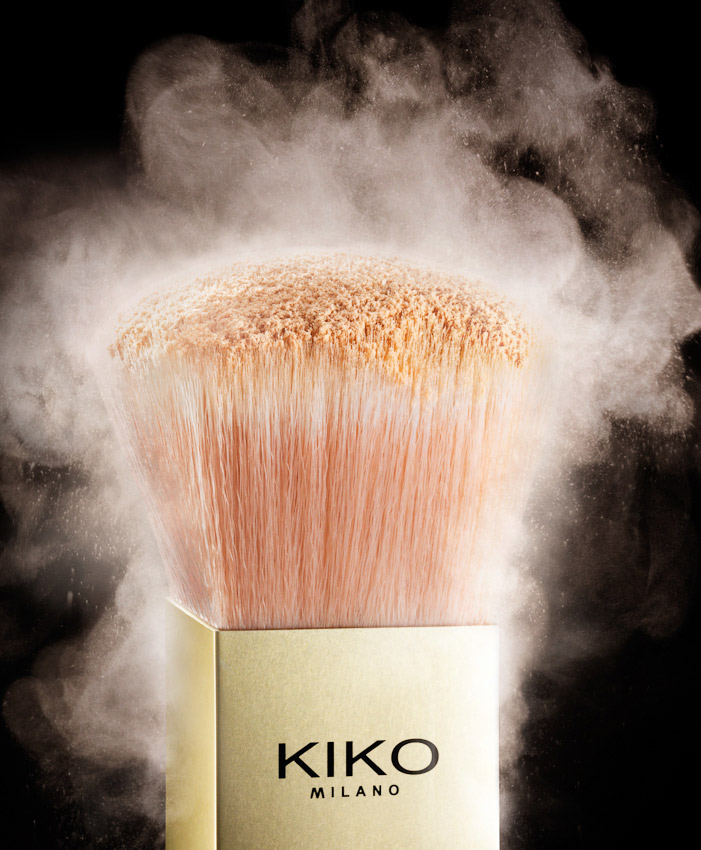 kiko powder brush, face powder, kiko advertising, advertising photographer, still-life photographer, still-life photography, still-life photographer London, beauty still-life photography, beauty still-life photographer, beauty still-life advertising photographer London, David Parfitt