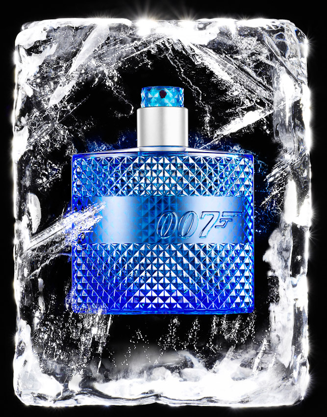 007 fragrance, perfume bottle in ice block for procter and gamble advertising campaign, fragrance in ice, fragrance photographer, perfume photographer, fragrance photographer London, still- life photography, still life photographer, still life photographer London, David Parfitt